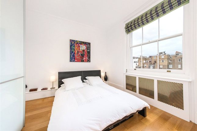 Bedroom of Queen's Gate Gardens, South Kensington, London SW7