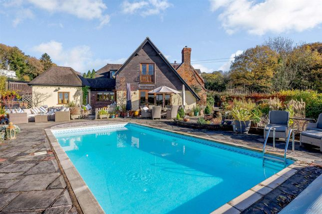 Thumbnail Country house for sale in Woodcote Lane, Woodcote Green, Dodford, Worcestershire