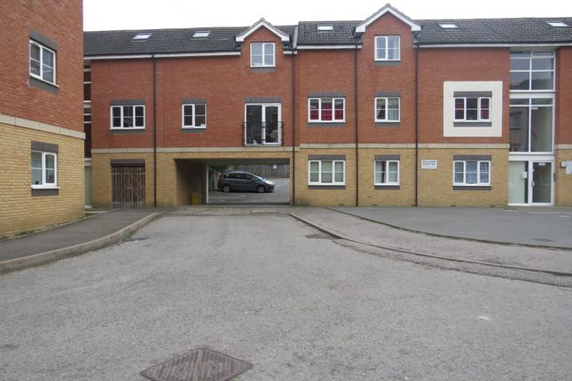 Thumbnail Flat for sale in Rothwell Road, Kettering