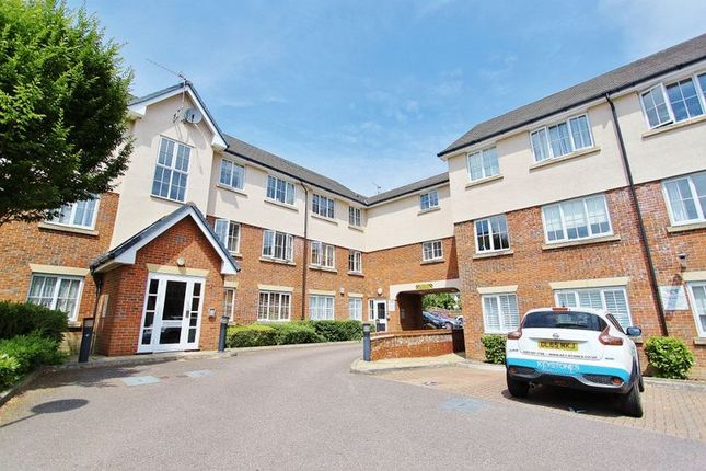 Thumbnail Flat for sale in Addison Court, Epping