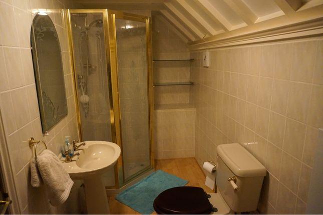 Master En-Suite of Cedar Grove, Barton DL10