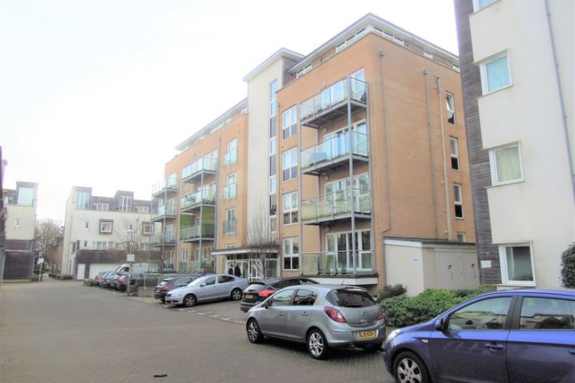 Thumbnail Flat for sale in James Weld Close, Southampton