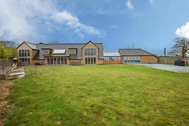 Thumbnail Detached house for sale in Chelmsford Road, Ingatestone, Essex