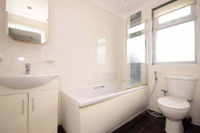 En-Suite of Ellesmere Close, London E11