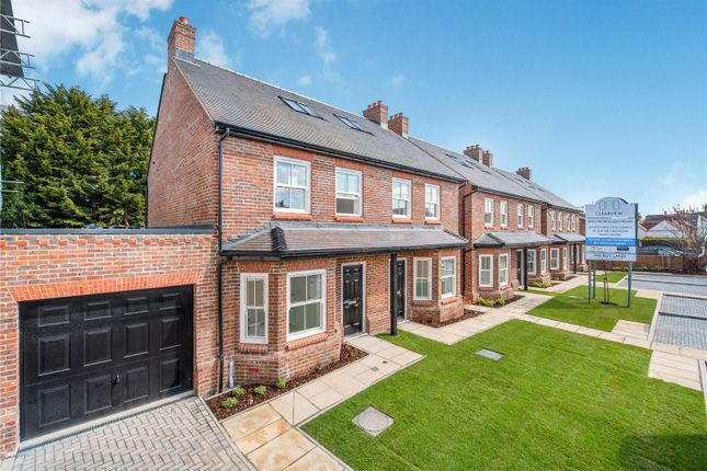 Thumbnail Semi-detached house for sale in Westborough Road, Maidenhead, Berkshire