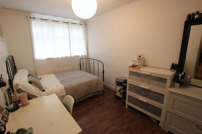 Thumbnail Flat to rent in Rosefield Gardens, London