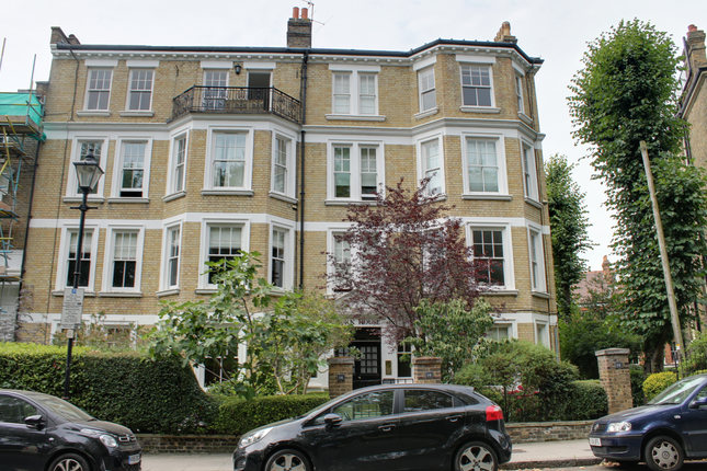 Thumbnail Flat to rent in Highbury Crescent, London