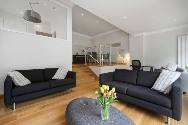 Thumbnail Flat to rent in Whittets Ait, Surrey
