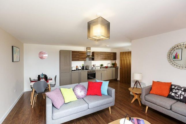 1 bed flat to rent in Riley Building, Derwent St, Salford M5