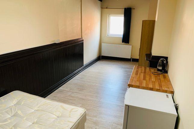 Room to rent in 52 Church Street, Golbourne, Warrington WA3