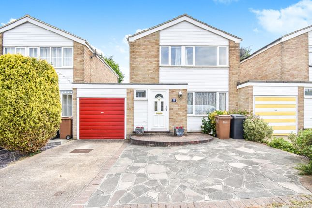 Thumbnail Link-detached house for sale in Hillview, Chelmsford
