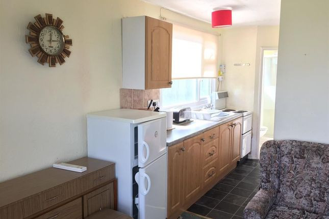Kitchen Pic 2 of 5th Avenue, Miami Beach, Sutton-On-Sea, Mablethorpe LN12