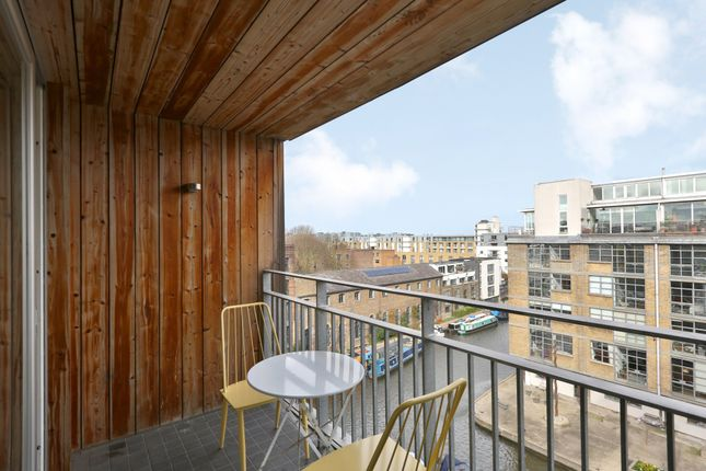 Thumbnail Flat to rent in Wharf Road, London
