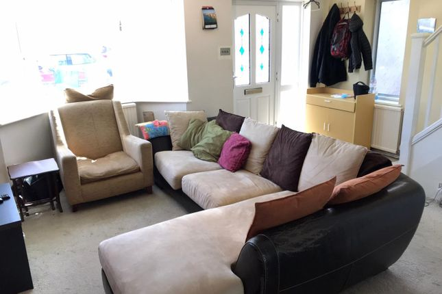 Lounge of Stuart Way, Staines-Upon-Thames TW18