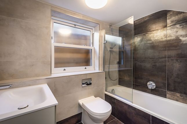 Bathroom of Ealing Green, London W5