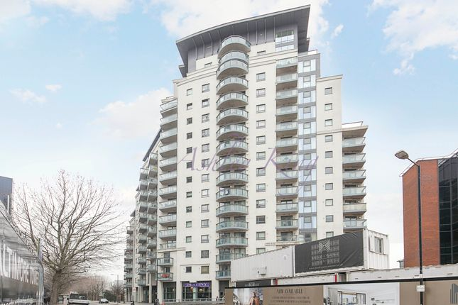 Thumbnail Flat to rent in Limeharbour, London
