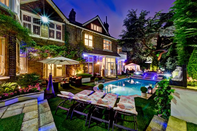 Thumbnail Property for sale in Frognal, London