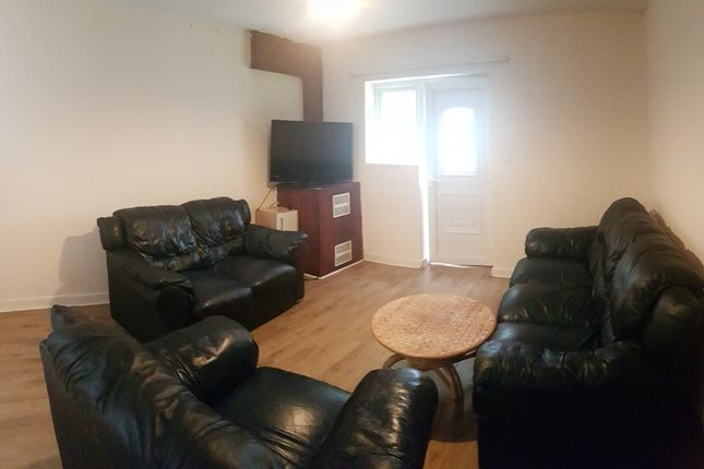 Thumbnail Property to rent in Redclyffe Avenue, Manchester