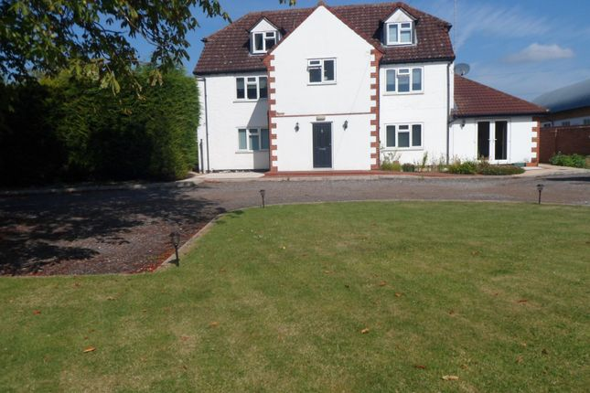 Thumbnail Flat to rent in Manor Farm, Lower Road, Stoke Mandeville