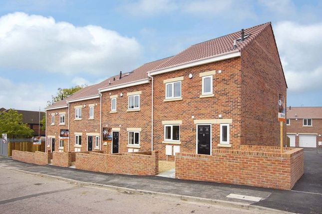Thumbnail Terraced house for sale in Lees Hill, Bristol