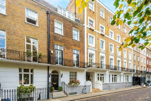 Thumbnail Property for sale in Brompton Square, Knightsbridge, London