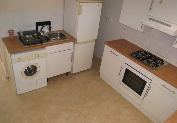 Thumbnail Flat to rent in Eastbourne BN21, Eastbourne,