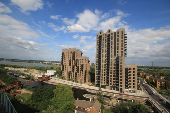 1 bed flat for sale in Ferry Lane, London N17
