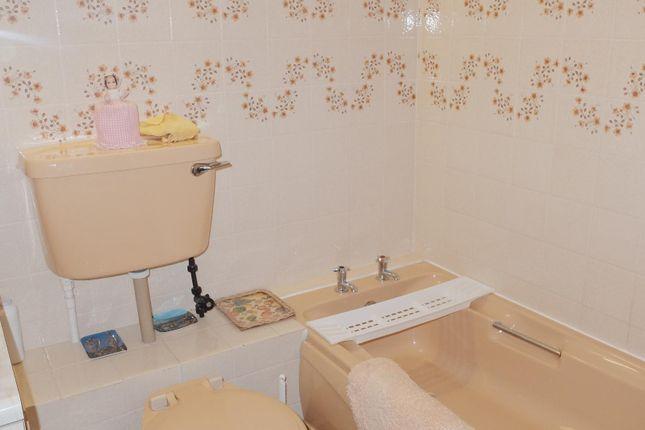 Bathroom 6 of Gogoside Road, Largs KA30