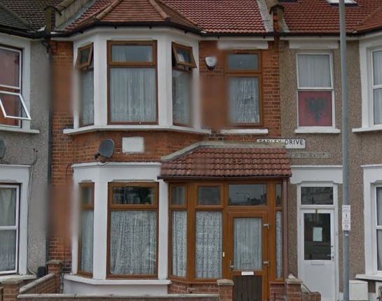 Thumbnail Duplex to rent in Farley Drive, Seven Kings, Ilford