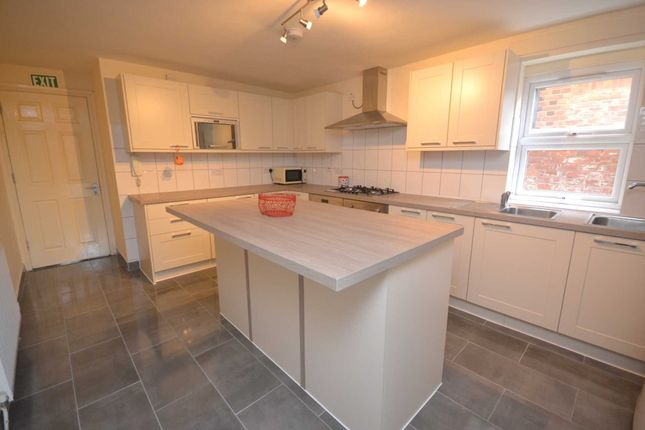 Thumbnail Property to rent in Upper Redlands Road, Reading