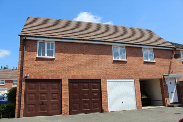 2 bed flat for sale in Ickworth Close, Daventry, Northampton NN11