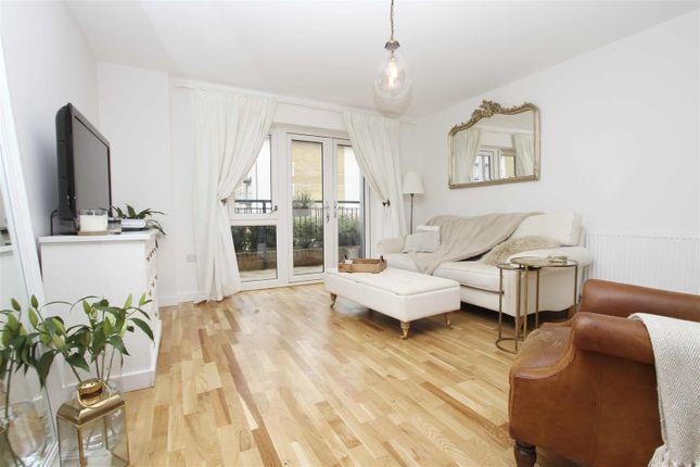 Living Room of Pennyroyal Drive, West Drayton UB7