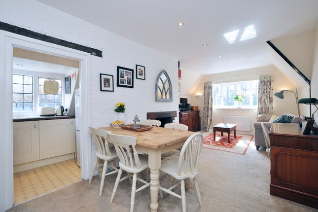 1 bed flat for sale in Heath Close, London