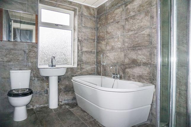 Bathroom of Parkfield Road North, New Moston M40