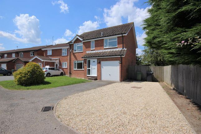 Thumbnail Detached house to rent in Blenheim Gardens, Grove, Wantage