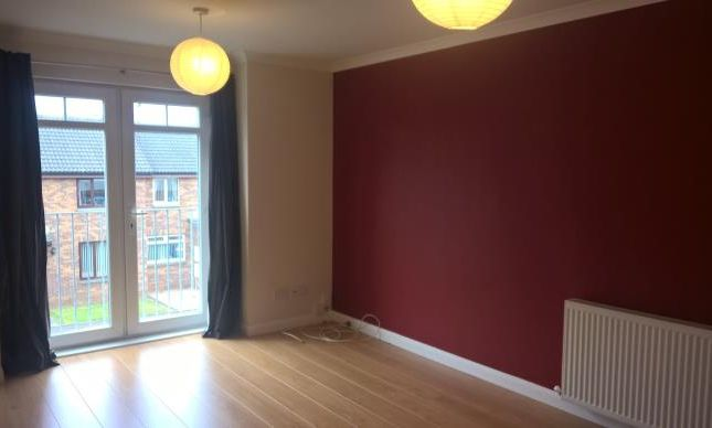 Thumbnail Flat to rent in Meldrum Court, Kirkcaldy
