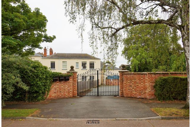 Thumbnail Town house for sale in Collinsfield, Greenhill, Evesham