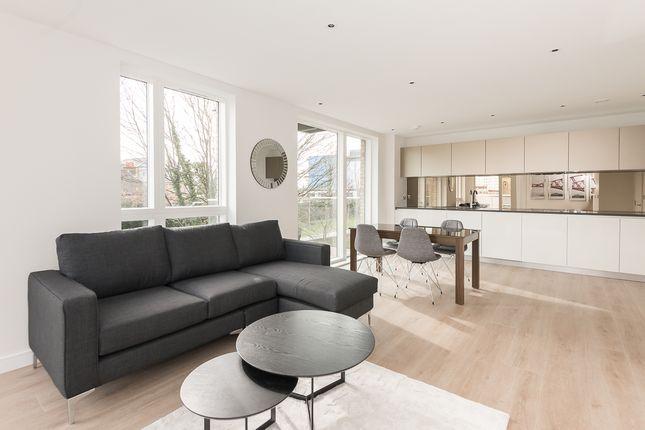 2 bed flat to rent in Kew Bridge Road, Kew