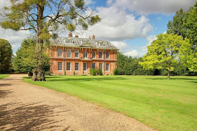 1 bed flat for sale in The Mansion, Balls Park, Hertford SG13