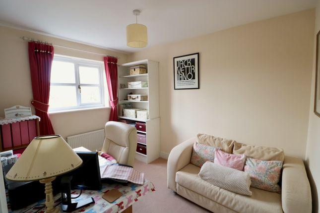 Bedroom 3 of Darlow Drive, Stratford-Upon-Avon CV37