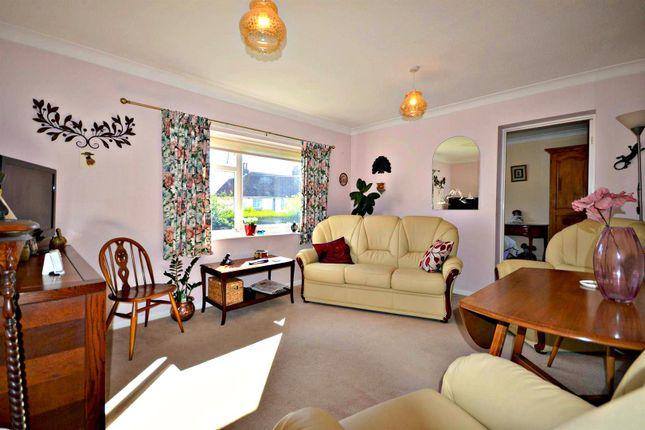 Lounge of Tomline Road, Felixstowe IP11