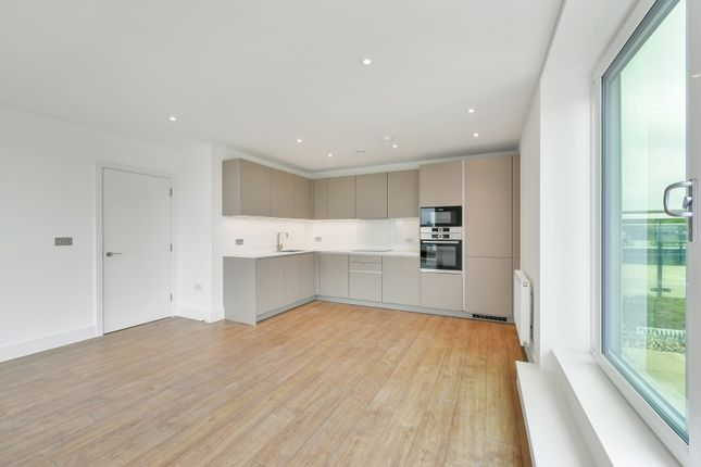 Thumbnail Flat to rent in Brunswick Square, Homefield Rise, Orpington