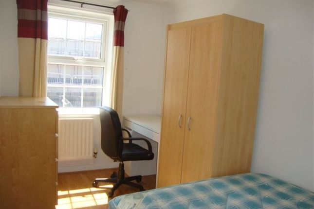 Thumbnail Property to rent in Double Room - Flavius Close, Caerleon