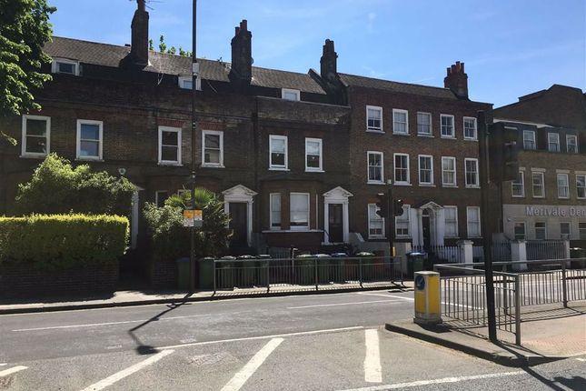 Greenwich High Road, Greenwich SE10