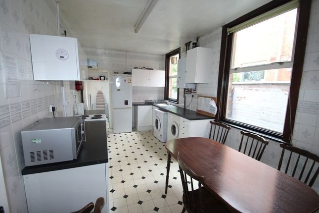 Thumbnail Property to rent in Fosse Road South, West End, Leicester