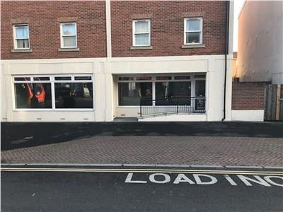 Retail premises to let in 122 East Reach, Taunton, Somerset