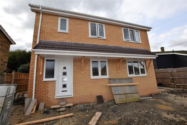 3 bed detached house for sale in Furlongs, Basildon, Essex SS16
