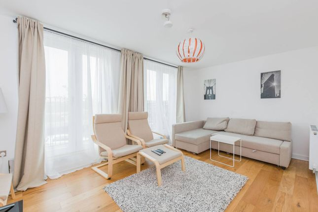 Thumbnail Property to rent in Chobham Manor, Stratford, London