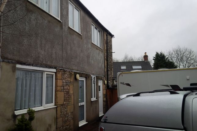 2 bed terraced house to rent in Commercial Road, Shepton Mallet BA4