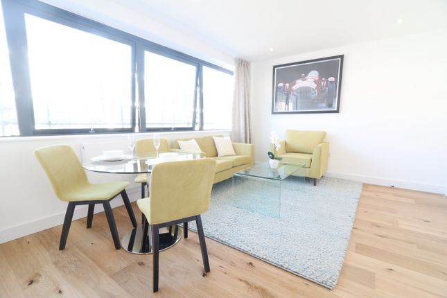 Thumbnail Flat to rent in Westmead, Farnborough